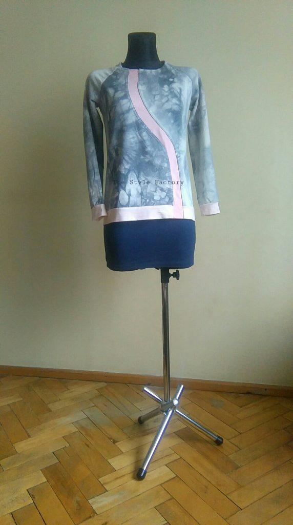 sweatshirt in gray color